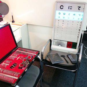 視力測定機セット(年季ものですが基本的な検査が出来ます)